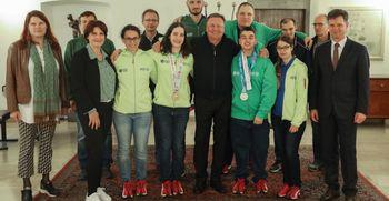 Športniki z iger Specialne olimpijade v Mestni hiši