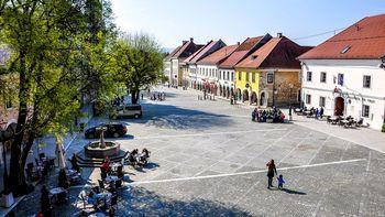O prometnem režimu na četrtkovi seji občinskega sveta, otvoritev prenovljenega Glavnega trga 10. maja