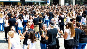 Osrednja maturantska parada ponovno na Glavnem trgu