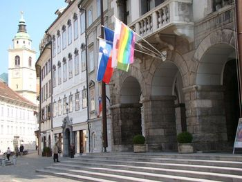 Razstava Mreže mavričnih mest: Po Stonewallu – 50 let ponosa