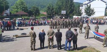 Vojaki obiskali OŠ Žužemberk in OŠ Prevole