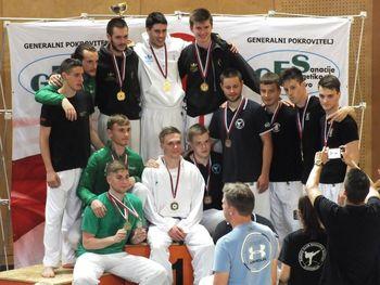 Žirovska karateista sta bila del ekipe, ki je postala državni prvaki
