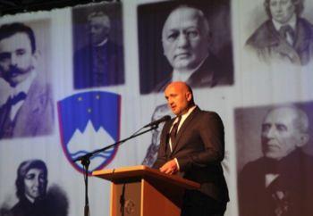 Počastili Dan državnosti; župan z najboljšimi učenci