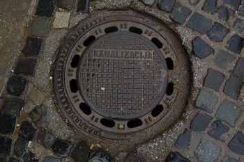 Začetek sanacije kanalizacije na Stražišarjevi in Tomšičevi cesti