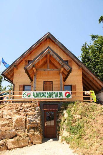 Planinska koča Mrzl'k odprta tudi za praznik