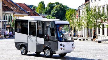Izberi ime za novomeški mini bus