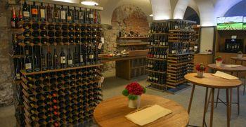 Novost na Ljubljanskem gradu - Grajska vinoteka Strelec