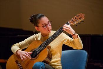 Nastop kitaristov