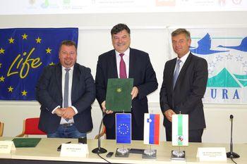 Občina Grosuplje in Izvajalska agencija za mala in srednje velika podjetja podpisali pogodbo za projekt LIFE AMPHICON