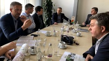 Gospodarska delegacija iz Bihaća na srečanju v Novem mestu