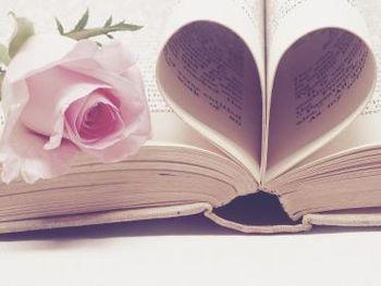 Knjiga mi pomaga - društvo Bodi metulj in knjigarna Antika