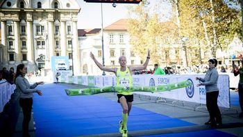 Mitja Krevs zmagal na 21-kilometrski razdalji 24. Ljubljanskega maratona