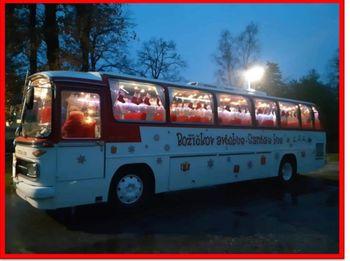 Božičkov poštni avtobus