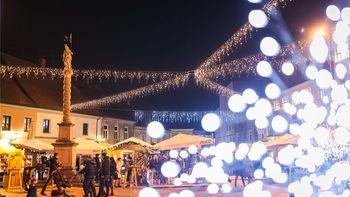 Zimska pravljica na Grajskem trgu
