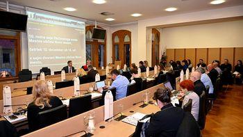 Na decembrski seji predstavili novo generacijo štipendistov in sprejeli predlog podrobnega prostorskega načrta za obvoznico Šmihel