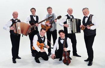 Božično-novoletni koncert s skupino Prifarski muzikanti