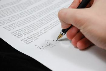 Javni natečaj za zasedbo 2 (dveh) prostih uradniških delovnih mest Občinski redar