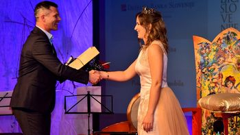 Vinska kraljica Slovenije je Ana Pavlin iz Otočca