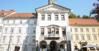 Obvestilo za obiskovalce upravnih stavb Mestne občine Ljubljana zaradi koronavirusa