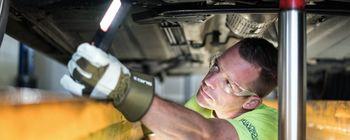 Tehnični pregledi in drugi postopki v zvezi z registracijo motornih vozil se prenehajo izvajati