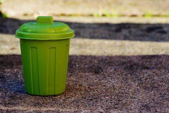 Ravnanje z odpadki v gospodinjstvih z bolniki, ki kažejo znake koronavirusa