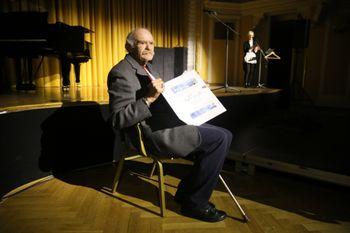 Janez Bermež je bil v dolgoletni nosilec najpomembnejših vlog v celjskem gledališču