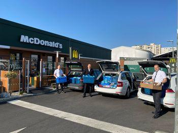 McDonald's doniral več kot 2 toni živil dobrodelnim organizacijam in domovom za starostnike po vsej Sloveniji