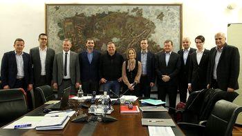 Župani mestnih občin dogovorili poenoteno ukrepanje v zvezi z epidemijo COVID-19
