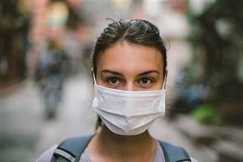 Koronavirus: Sešijmo si zaščitno masko za obraz
