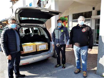 Matic Kavčič s Kitajske doniral več tisoč kosov zaščitne opreme