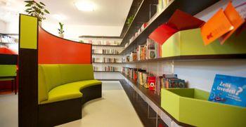 Mestna knjižnica Ljubljana strokovno literaturo pošlje tudi na dom