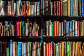 Izposoja knjižničnega gradiva možna tudi v času izrednih razmer