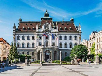 Podpora Univerze v Ljubljani kritičnim dejavnostim v državi