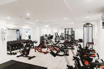Sprostitev delovanja fitnes centrov