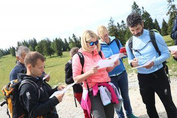 Deljeno koriščenje bonov, spletna rezervacija planinskih domov in osnovno znanje branja zemljevidov