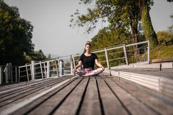 Poletje bomo popestrili z brezplačno vadbo joge na Špici