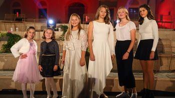 Slovenske pesmi v izvedbi otrok