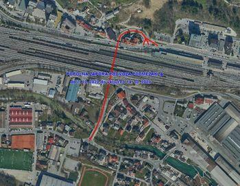 Zaradi preplastitve ceste popolna zapora podvoza Podmežakla