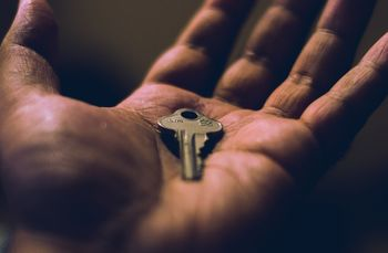 Razpis za oddajo službenih stanovanj v najem