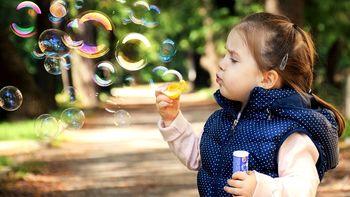 """""""Otroci so izjemni, kar se tiče prilagajanja novim spremembam"""""""