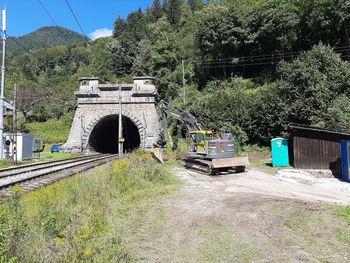 Nadgradnja železniškega predora Karavanke poteka po planu