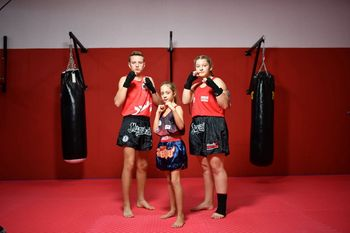 Mlada Novomeščana uspešna na svetovnem virtualnem prvenstvu v tajskem boksu