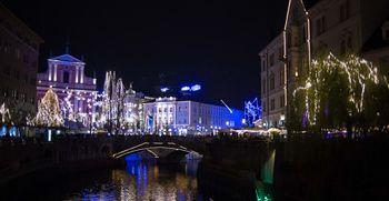 Video: Prižgali smo praznično osvetlitev Ljubljane