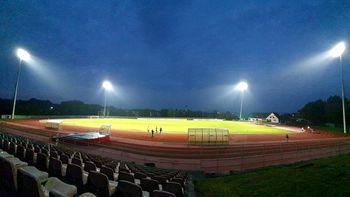 Vadba na osvetljenih površinah stadiona Portoval