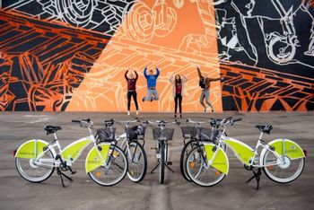 """Projekt Hitro s kolesom, promocijsko izobraževalni filmi mreže za izposojo koles """"Gorenjska.bike"""""""