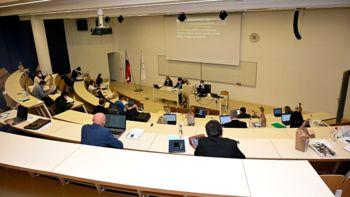 Na decembrski seji potrdili proračun za leto 2022 in predstavili nova štipendista