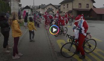 Božički na kolesih razveselili otroke v Litiji in Šmartnem
