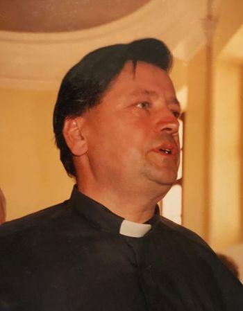 Umrl častni občan Občine Žužemberk Franc Povirk, župnik v Žužemberku