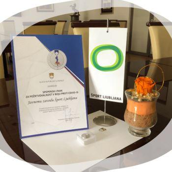Spominski znak Vlade RS za požrtvovalnost v boju proti COVID 19
