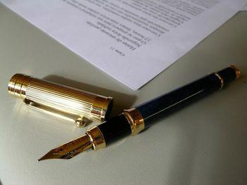 Župan podpisal pogodbi za obnovo telovadnice v Okrogarjevi šoli